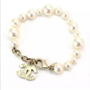 CHANEL Jewelry - Auth CHANEL Pearl CC Logo Gold Bracelet